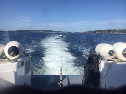 SLEP: Redningsskøyta Elias har gjennom helgen måttet bistå flere båter i nød. Bildet er tatt under et oppdrag søndag ettermiddag.