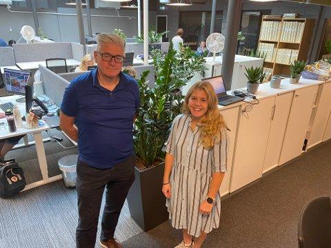 ENDRING: Ansvarlig redaktør i Moss Avis Pål Enghaug og klubbleder, Natalie Kristiansen er klare for endringer i Moss Avis, men leserne skal fortsatt få den samme journalistikken.