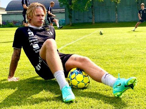 TUNG BESKJED: Sebastian Pedersen innrømmer at det var tungt å få beskjed om røket fremre korsbånd i høyre kne.