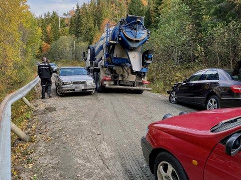 ULYKKE: Tre personer var involvert i ei trafikkulykke fredag.