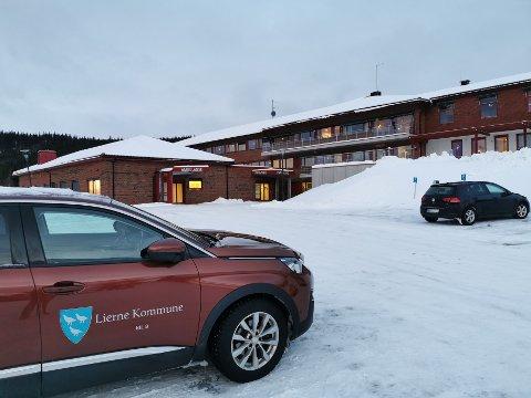 NYTT SMITTETILFELLE: En person i Lierne har testet positivt på Covid-19. Rådmann Karl Audun Fagerli forteller at kommunen har igangsatt smittesporing.