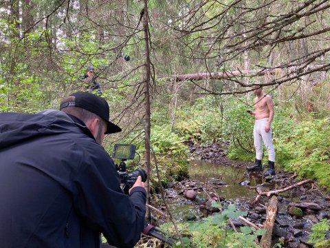 INNSPILLING: Magnus Flåto har vært fotograf på piloten til «Conny vs. naturen». Han har vært med på en lang rekke produksjoner tidligere, blant annet Ylvis store hit «The Fox».