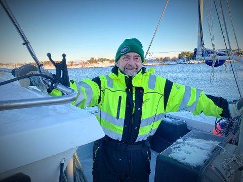 «ALWAYS LOOK ON THE BRIGHT SIDE OF LIFE»: Lasse Eriksen fortviler ikke over at dieselen er stjålet fra båten hans. – Jeg må nesten sende en takk til tyven som stjal dieseldyrene mine.