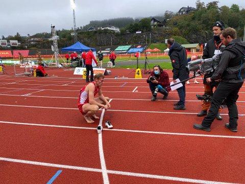 I FOKUS: Fredrik Gerhardsen Øvereng var i fokus da han ble norgesmester på 400 meter i Bergen i fjor høst. Nå skal han være frontfigur for kampanjen Idrett uten alkohol.