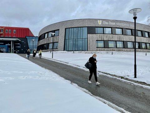 SENDES HEIM:  En elev på Olav Duun videregående skole i Namsos har fredag testet positivt på koronaviruset.