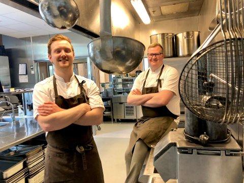 NYE UTFORDRINGER: Torkil Helmersen (til venstre) og Martin Trana Flak er henholdsvis kjøkkensjef og konsernkjøkkensjef i Hegstad&Blakstad i Trondheim. Selskapet driver seks kantiner, Hjelseng gård i Stjørdal og satser på cateringvirksomhet.