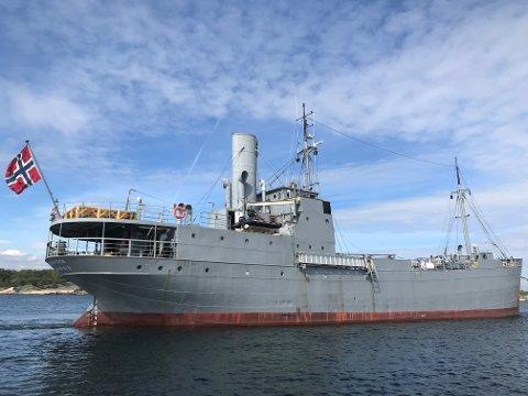 FLYTENDE MUSEUM: Dampskipet D/S Hestmanden har hatt ulike funksjoner i løpet av sine 110 leveår. Nå kommer skipet, som i dag er krigsseilermuseum, til Rørvik.