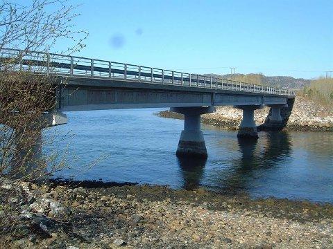 TIL PERS: Søre Vetterhusstraumbrua i Namsos er blant bruene som skal inspiseres til uka.