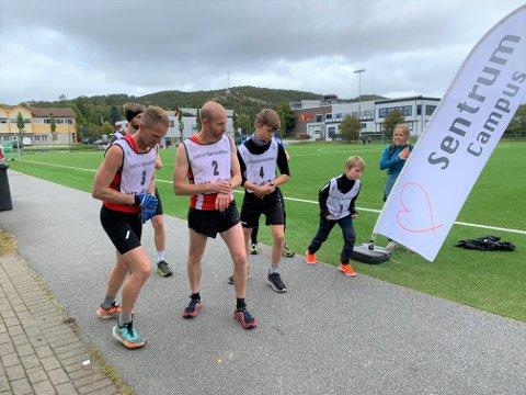 TYNT I REKKENE: 135 deltakere gjennomførte den 44. utgaven av Follalunken søndag. Av disse stilte kun seks deltakere i konkurranseklassen. Til høyre i bildet ser vi Mattis Vammen Nordstrand som med sine ti år var desidert yngst i startfeltet.