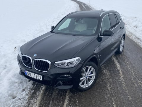 BMW har endelig gjort den populære SUV-en sin, X3, ladbar. Denne kaster seg inn i kampen om kundene mot særlig Mercedes GLC 300e og Volvo XC60.