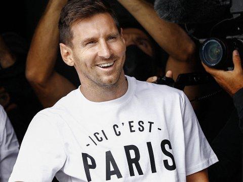 PÅ PLASS I PARIS: Lionel Messi har signert for Paris Saint-Germain, og blir å se i den franske ligaen de neste årene.