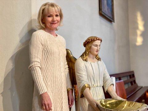 Englevakt: På tross av svovelspådommen, mistet Wenche Strømdahl aldri troen sin. Hun er nå aktuell med miniturneen «Dømt til evig fortapelse», hvor reddende engler og englevakt tråkler seg rolig inn og ut av livet hennes.