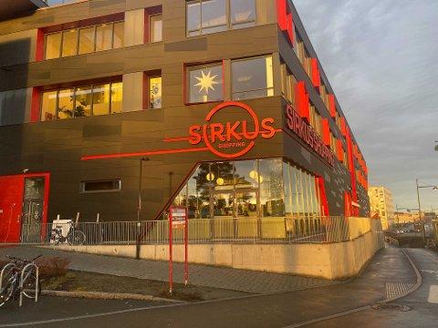 Pågripelsen skjedde ved busstoppet på utsiden av Sirkus shopping.