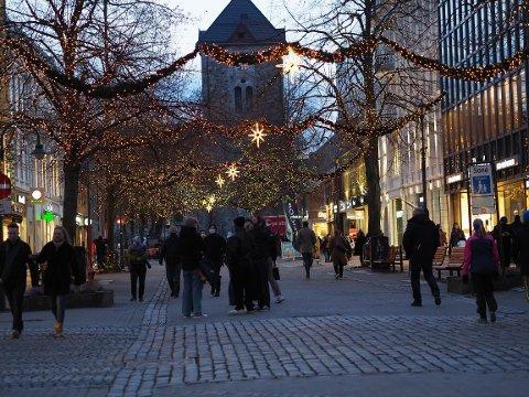 Mange tok turen til Midtbyen for å bytte julegaver 4. juledag.