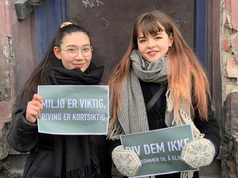 Susanne Pettersen (22) og Siri Grete Frøystein (22) er arkitektstudenter og demonstrerte mot riving av bygningene i Elgeseter gate 4, 6 og 30.