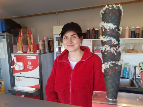 Bare 16 år gammel har Miriam stålkontroll mener eier av Simens Isbar, Simen Wågen.