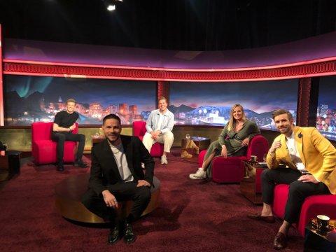 Johannes Høsflot Klæbo gjestet kveldens «Senkveld» sammen med blant andre Chris Holsten og Vegard Harm. Foto: TV 2