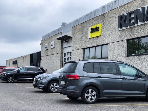 RAMMET AV KONKURS: Bilutleieselskapet Hertz er konkurs i USA. – I Norge kan kundene våre være sikre på å bestille og fortsatt få leiebil hos oss, sier administrerende direktør Trygve Simonsen.