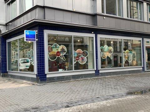 HOLDER ÅPENT: G Travel-kontoret i Søndre gate puster videre.