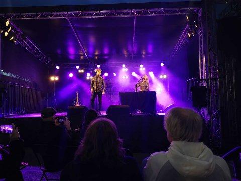 Raindogs duo står for den siste konserten på Stormfestivalen. Bildet er fra lørdagens konsert.