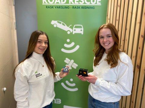 Tuva Tolnes og Ellinor Hangerhagen håper at produktet deres kan bidra til å redde liv i trafikken.