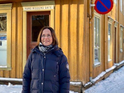 TRONDHEIMS ELDSTE: Rektor Trude Mathiesen (59) er glad for at alle fire skolebygg fremdeles står, også Trondheims eldste barneskole for almuen, Skipperhuset (avbildet).