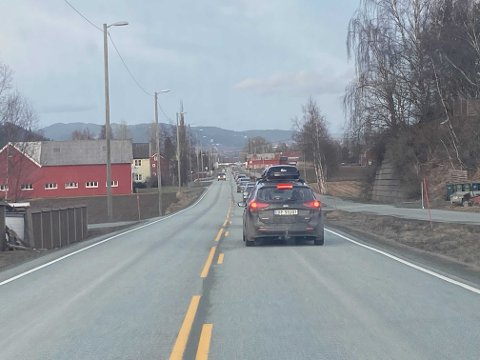 Kø på Lundamo inn mot Trondheim.