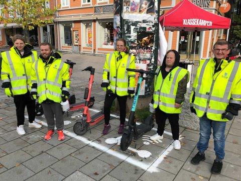 Brukere fra Lade Boa i er i full gang med å rydde el-sparkesykler i Trondheim.