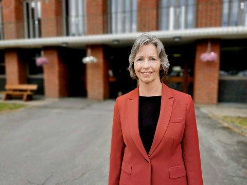 Rektor Hilde Hov ved Trondheim katedralskole ser frem til utvidelsen av skolen.