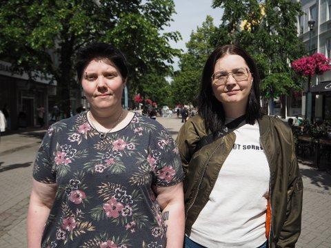 Line Mansæterbak og Hanne Greta Haugen Moen gleder seg til å sette seg på skolebenken igjen.