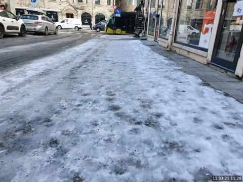 Slik så det ut i Søndre Gate tilbake i mars.