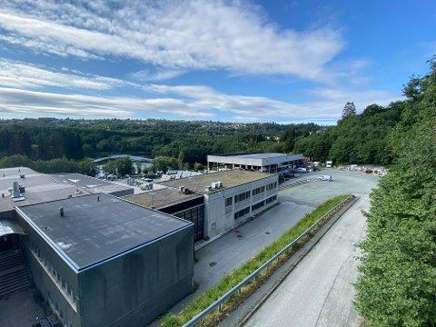 Loe Rørprodukter flytter fra Leirfossvegen om noen år. Nå ønsker de å bruke tomta til boliger.