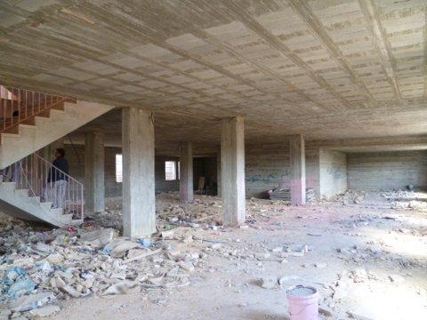 Skolen er i dag bare et råbygg, men den skal stå ferdig i løpet av året.