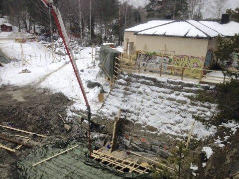 DEMNINGEN: Vannstanden i Nøklevann ble tappet 5 meter før rehabiliteringen startet.