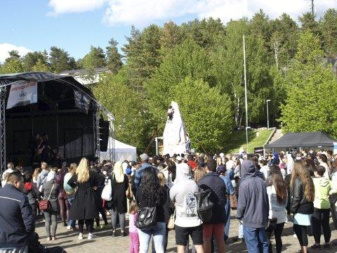 2015: Bildet er tatt under Toojis konsert på Vær Stolt 2015. Artisten var også konferaniser. Arkivfoto