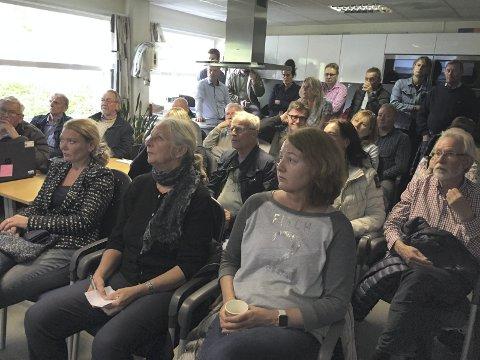 NABOMØTE: Det var fullt hus i Ormsundveien 9 da Oslo Havn inviterte til møte om ny aktivitet på Ormsund. Foto: Oslo Havn