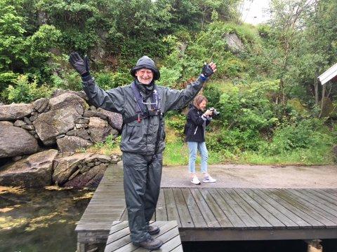 VEL FREMME: Aamodt-Hansen har ankommet hytta etter en 360 kilometer lang rotur med regn og motvind.