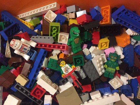 LEGO: Moro for store og små. I vinterferien kan du utfordre fantasien med klossebygging  på Lambertseter. Foto: Nina Schyberg Olsen