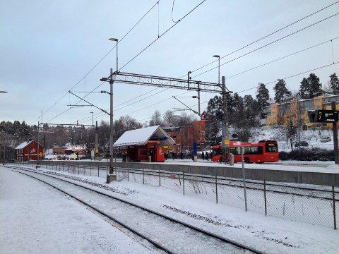 HAUKETO: Det gikk ikke helt som planlagt da Tone Tjærbo Lie skulle ta toget fra Hauketo stasjon lørdag kveld. Arkivfoto