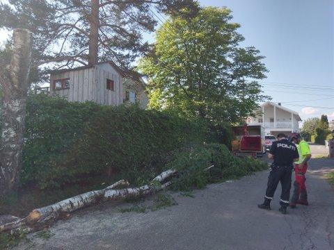 ARBEIDSULYKKE: Politiet var på stedet etter arbeidsulykken tirsdag ettermiddag.