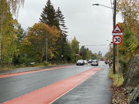NY FARTSGRENSE: I Ekebergveien forbi Nordseter skole er det nå blitt 30-sone.