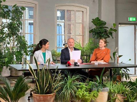 NY PLATTFORM: Lan Marie Berg (MDG), Raymond Johansen (Ap) og Sunniva Holmås Eidsvoll (SV) presenterte tirsdag byrådsplattformen for de rødgrønne partiene i Oslo.
