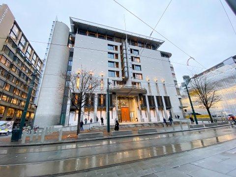 TILTALT: Den tiltalte mannen i 30-årene skal møte i Oslo tingrett den 11. november. Det er satt av tre dager til saken.