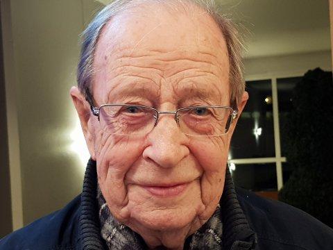 ÆRESMEDLEM: John Liverud var med å starte Bekkelaget Rotary i 1977, nå er han blitt æresmedlem. Foto: Privat