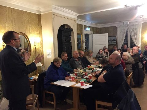 TALTE: Espen Barth Eide var tilstede på medlemsmøtet til Østensjø Arbeiderparti på Manglerud gård.