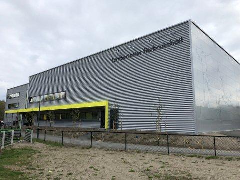 LAMBERTSETER: Den nye flerbrukshallen på Lambertseter ble stengt denne uken og syv uker fremover. Grunnen er feil og mangler på det tekniske anlegget, som skal utbedres. Foto: Kristin Trosvik