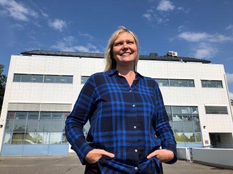 NY REDAKTØR: Kristin Stoltenberg tiltrådte som ny redaktør i Nordstrands Blad 1. juni, samtidig som vi overtok våre nye lokaler her i Ekebergveien 233 på Sæter.