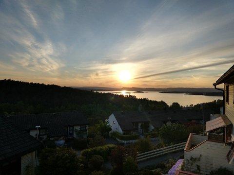 Solnedgang over bydel Søndre Nordstrand