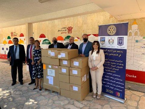 Gleden var stor da barnesykehuset Caritas i Bethlehem fikk overlevert utstyret gitt av lokale og internasjonale Rotary-klubber.