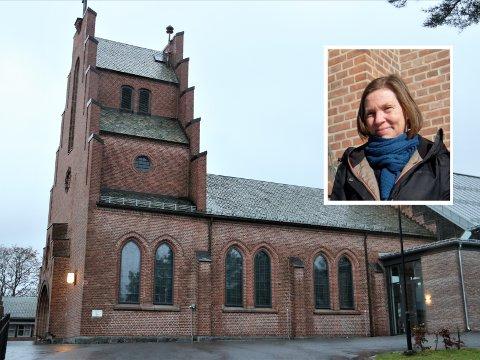 DIGITAL GUDSJTENESTE: Selv om sogneprest i Nordstrand kirke, Anne Grete Listrøm, håper at de kan ha gudstjenester i kirken på julaften, har de forberedt seg på at det kan bli digitalt i år. Det er de ikke alene om.